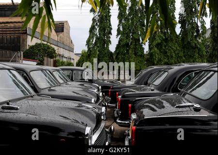 INDIA Kolkata Calcutta , HM Hind Motors car factory, here the Ambassador is still produced after license of Oxford - Stock Photo