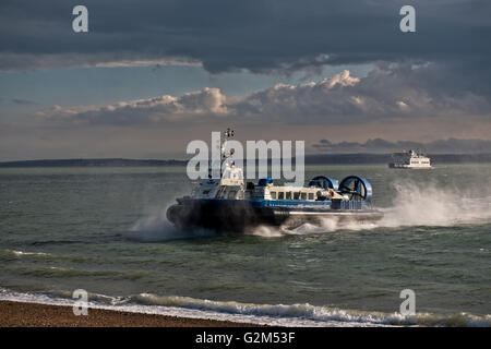 Hovercraft, AP1-88 – Island Express owned Hovertravel arriving at Southsea, Portsmouth, Hampshire, UK - Stock Photo