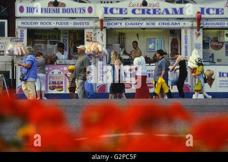Lorenzo's Ice cream and donut stall. Great Yarmouth. Norfolk. England. UK. Europe - Stock Photo