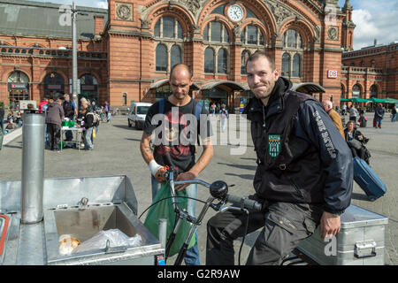 18.09.2015, Bremen, Bremen, Germany - Two employees of the association, Bremer soup angel e.V., the mobile food - Stock Photo