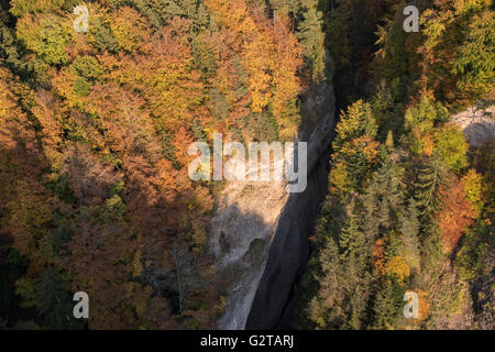 23.10.2015, Sigriswill, Canton Bern, Switzerland - Haengebruecke over the rubber gorge that separates Sigriswil - Stock Photo