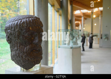 Scotland, Glasgow, South Side, Burrell Collection, Greek and Roman antiquities room. - Stock Photo