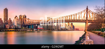 (Ed Koch) Queensboro bridge panorama at sunset, as viewed from Roosevelt Island - Stock Photo
