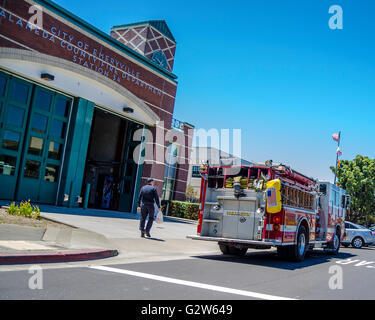 alameda county fire station number 34 on powell street in emeryville stock photo royalty free. Black Bedroom Furniture Sets. Home Design Ideas
