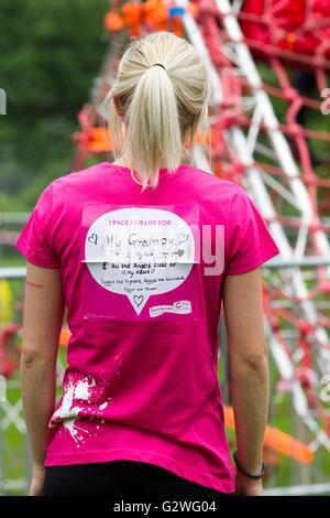 Abington Park, Northampton, U.K. 4th June 20126. Cancer Research, Race for Life Pretty Muddy is a brilliant 5k muddy - Stock Photo