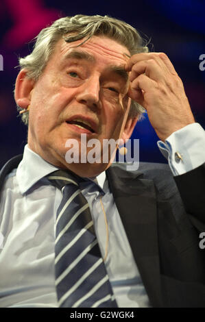 Hay-on-Wye, Wales, UK. 4th June 2016. Gordon Brown former UK Prime Minister speaking on stage at Hay Festival 2016 - Stock Photo