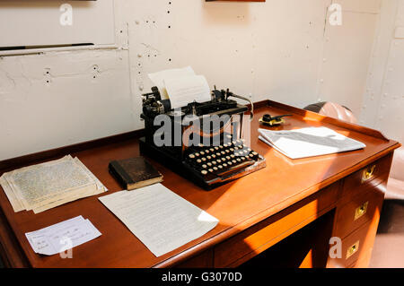 ... Old Office Desk And Typewriter On Board A Ship From WW!.   Stock Photo
