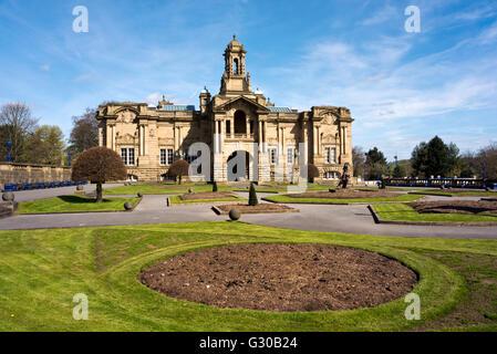 Cartwright Hall Art Gallery, Lister Park, City of Bradford, UK - Stock Photo