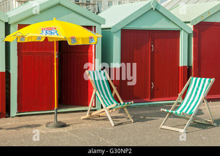 Beach huts on Hove seafront, East Sussex, England. - Stock Photo