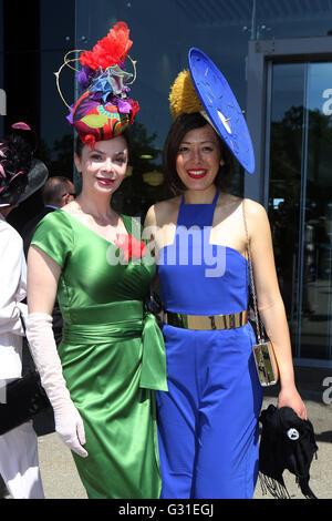 18.06.2015, Ascot , Berkshire, United Kingdom - Elegantly dressed women with hat on a horse race. 00S150618D806CAROEX.JPG - Stock Photo