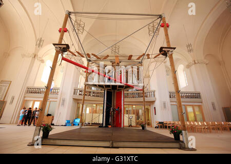 Zerbst, Germany. 6th June, 2016. A climbing frame stands the church of St. Trinitatis in Zerbst, Germany, 6 June - Stock Photo