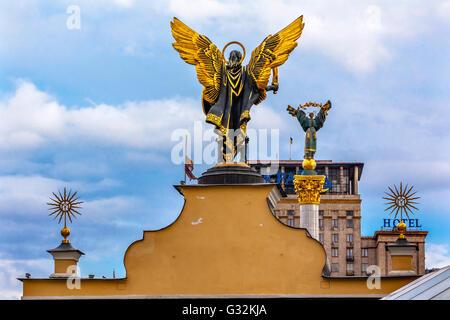 Laches Gate Saint Michael Peasant Girl Slavic Goddess Berehynia Statue Independence Monument, Maidan Kiev Ukraine - Stock Photo