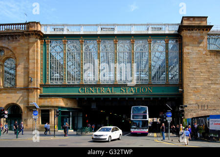 View of railway bridge across Argyll Street at Central Station commonly known as Highland Man;'s Umbrella in Glasgow - Stock Photo