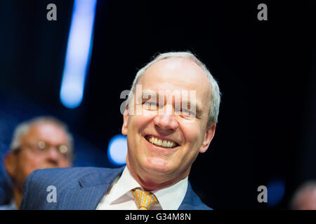 Essen, Germany. 8th June, 2016. Karl-Ludwig Kley, designated president of the supervisory board, sits at the energy - Stock Photo