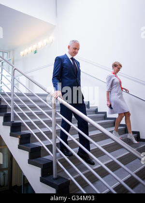 Essen, Germany. 8th June, 2016. Johannes Teyssen, CEO of energy comapny eon, walks down the stairs at the company's - Stock Photo