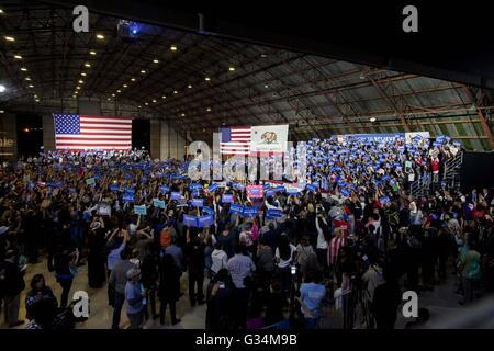 Santa Monica, California, USA. 7th June, 2016. 2016 Democratic Presidential candidate BERNIE SANDERS vows to continue - Stock Photo