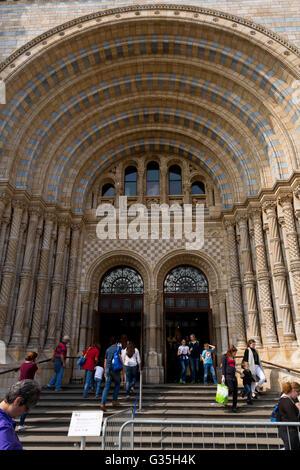 Natural History Museum London main entrance - Stock Photo
