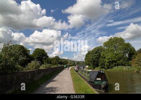Along the Kennet and Avon Canal in the surroundings of Bath, Somerset, UK - Stock Photo