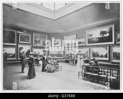 The National Gallery in  London, some ladies are  looking at Turner's pictures        Date: 1900 - Stock Photo