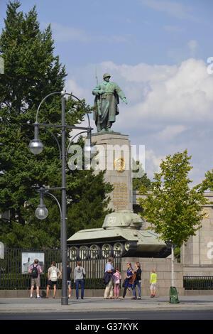 Sowjetisches Ehrenmal, Strasse des 17. Juni, Tiergarten, Berlin, Deutschland