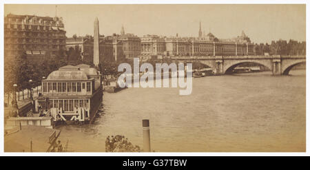 The river at Charing Cross, with the Embankment and  Cleopatra's Needle to the  left, the 'Cleopatra' swimming bath - Stock Photo