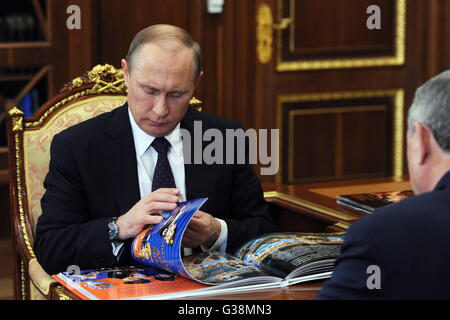 Moscow, Russia. 9th June, 2016. Russia's president Vladimir Putin (L) during a meeting with the governor Kaluga - Stock Photo