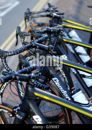 Portsmouth, Hampshire, UK, 9th June 2016. Pearl Izumi Tour Series Stage 10. JLT Condor bikes sit in the pit lane. - Stock Photo