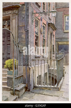 DR SAMUEL JOHNSON (1709 - 1784) : English writer's home at 17 Gough Square, Fleet Street, where he lived while compiling - Stock Photo