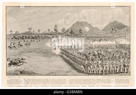 Soldiers of the British Royal  Niger Company form a square to  attack the camp of the Emir of  Lapaie and subdue - Stock Photo
