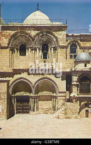 Church of the Holy Sepulchre, Jerusalem.      Date: 1920s - Stock Photo
