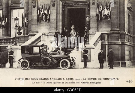 King George V and Queen Mary visit Paris - Spring, 1914. Here they leave the Ministry of Foreign Affairs.     Date: - Stock Photo