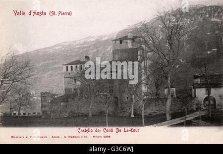 St Pierre, Aosta Valley, Italy - Castello Sarriod de la Tour (12th century)     Date: 1902 - Stock Photo