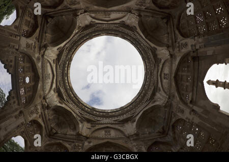 Dome detail. Jami Masjid. Champaner Pavagadh Archaeological Park. UNESCO World Heritage Site. Panchmahal, Gujarat. - Stock Photo