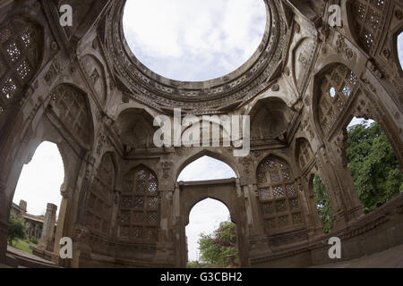 Dome detail. Jami Masjid. Champaner Pavagadh Archaeological Park. UNESCO World Heritage Site. Panchmahal, Gujarat. - Stock Photo