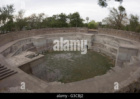 Tank octagonal kund. Jami Masjid or Mosque. Champaner Pavagadh Archaeological Park. UNESCO World Heritage Site. - Stock Photo