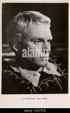 Sir Laurence Olivier (1907-1989) - British actor of stage and screen in the role of Hamlet (1948)     Date: 1948 - Stock Photo