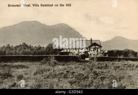 Somerset West, Western Cape, Cape Colony, South Africa -- residential villa on a hill.      Date: circa 1908 - Stock Photo