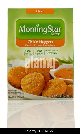 Winneconne, WI - 7 June 2016:  Box of Morning Star Farms chik'n nuggets on an isolated background - Stock Photo