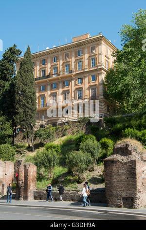 Italien, Rom, Via Nicola Salvi, Restaurant La Biga - Stock Photo