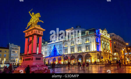 statue de vercingetorix clermont ferrand puy de dome auvergne stock photo royalty free image. Black Bedroom Furniture Sets. Home Design Ideas