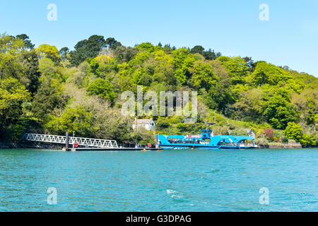 The King Harry Chain Ferry at the Feock Station on the River Fal, Cornwall.  To the left is the boat landing for - Stock Photo