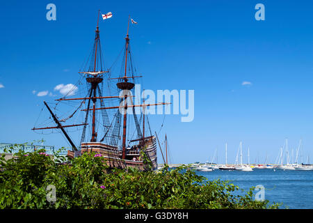 The replica of the Mayflower, named the Mayflower II lies in Plymouth Harbor in Massachusetts and is a favorite - Stock Photo