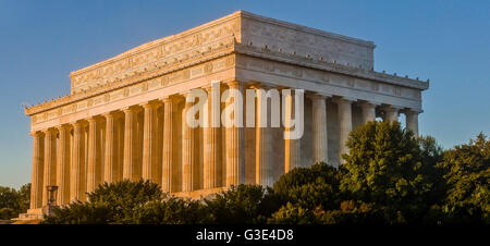 The Lincoln Memorial , lit by early morning golden sunshine bringing out the texture of the stonework, The National - Stock Photo