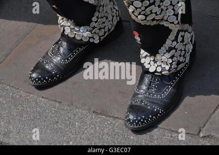 Pearly kings and queens in east London - Stock Photo