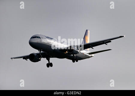 Lufthansa Airbus A320-200 passenger aircraft, on landing approach to  Franz Josef Strauss Airport, Munich, Germany - Stock Photo