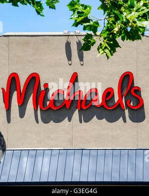 The exterior of michaels an arts and crafts store on for Michaels craft store san diego