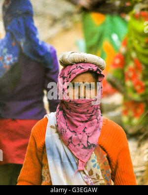 Untouchable Indian woman at Ranthambore Fort, India - Stock Photo
