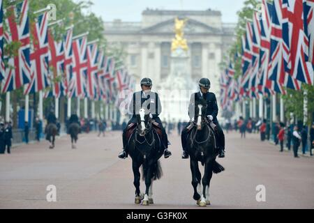 Police on the Mall at Trooping The Colour - The Queen's Birthday Parade. - Stock Photo