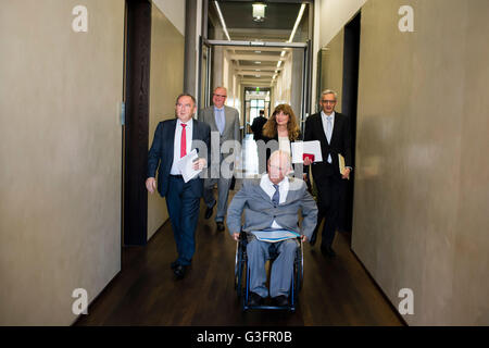 Berlin, Germany. 8th June, 2016. President of the conference of North Rhine Westphalia's Ministry of Finance, Norbert - Stock Photo