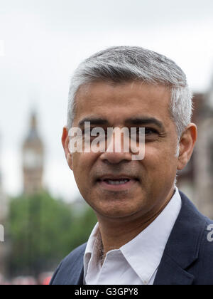 London, UK. 12 June 2016. Sadiq Khan, Mayor of London, British Politician and Member of the Labour Party. Im Hintergrund - Stock Photo